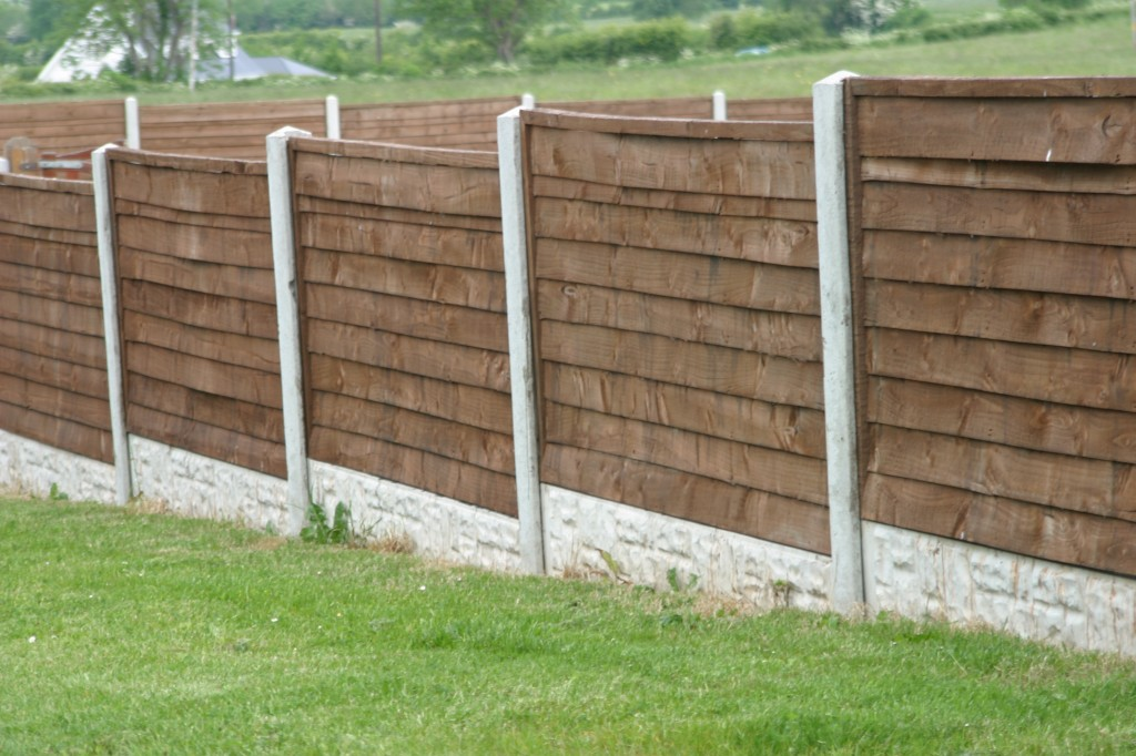 Concrete Post Amp Timber Panel Fencing Frs Fencing